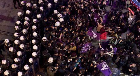 Turska policija upotrijebila suzavac na zabranjenom prosvjedu žena