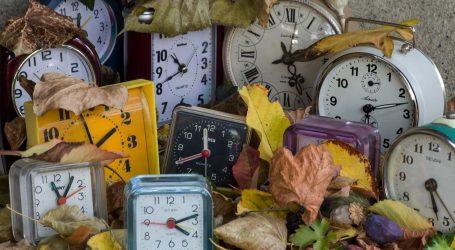 Noćas kreće ljetno računanje vremena, pomicanje sata uskoro odlazi u povijest
