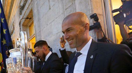 POVRATNIK Zidane na klupi Reala do 2022.