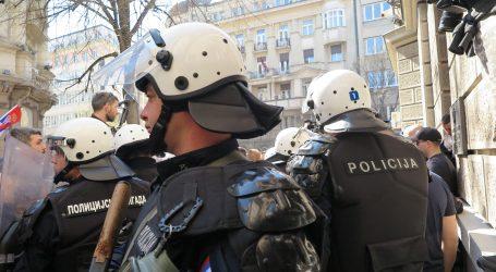 """Vučić na stranačkom skupu dio oporbe nazvao """"bandom fašističkom"""""""