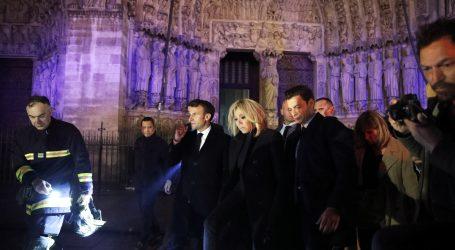 Macron najavio da će katedrala Notre Dame biti obnovljena za pet godina