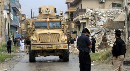 Napadač ubio 14 ljudi nakon otmice autobusa u Pakistanu