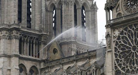 Kamera bi mogla otkriti uzrok požara na crkvi Notre-Dame