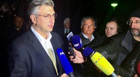 Premijer Plenković u procesiji Za križen na Hvaru