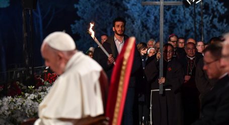 Na Veliki petak Papa slušao potresne priče o trgovini ljudima