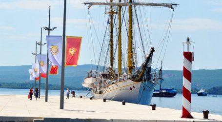 """Na brodu """"Jadran"""" u Tivtu krio se kokain, uhićena jedna osoba"""