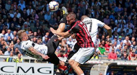 SERIE A Parma i Milan remizirali