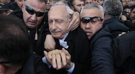 Turska uhitila devet osoba zbog napada na glavnog oporbenog čelnika