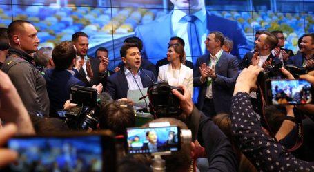 Zelenskij po anketama nadmoćno pobijedio na ukrajinskim izborima