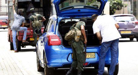 Policija Šri Lanke traži pomoć javnosti u potrazi za šestoricom povezanih s napadima