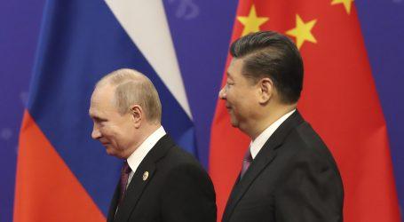 Xi Jinping dodijelio počasni doktorat Vladimiru Putinu