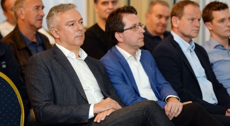 "KOSOR ""Izbori za Europski parlament su izbori za ili protiv EU"""