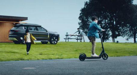 VIDEO: Tsunehiro Kunimoto ponosan na koncept automobil e-Yi
