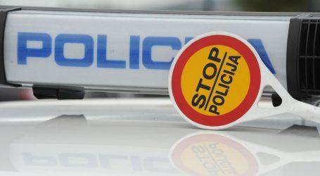 U Maksimirskoj se auto zabio u rasvjetni stup, promet otežan