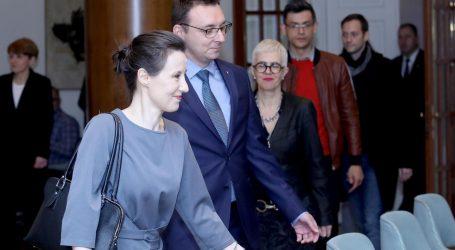 """Orešković prozvala HDZ za """"glib"""" u kojem se Hrvatska nalazi"""