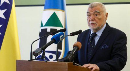 Stjepan Mesić ipak primio priznanje 'Počasni građanin Sarajeva'