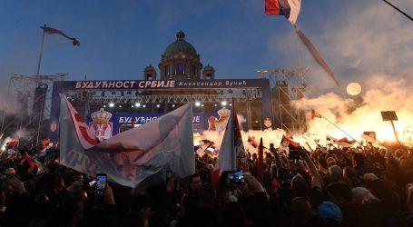 Deseci tisuća ljudi na skupu potpore Vučiću u Beogradu