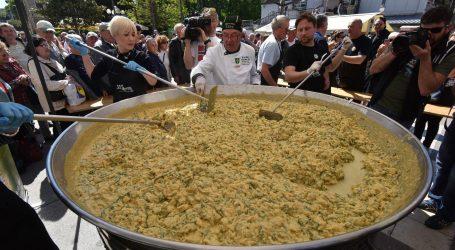 U Puli podijeljeno 500 porcija fritaje