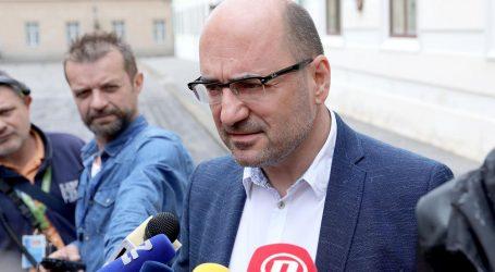 """Brkić stigao na sastanak Predsjedništva: """"Ovo nije Komunistička partija, hvala Bogu"""""""