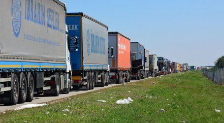 Jak vjetar na A1, kolona teretnih vozila na Bajakovu