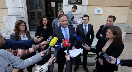 PROSVJED Odvjetnici 'Uljanikovaca' napustili ročište