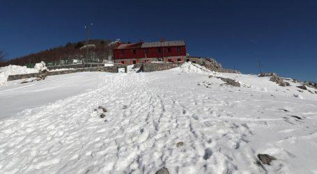 Na Velebitu palo skoro pola metra snijega
