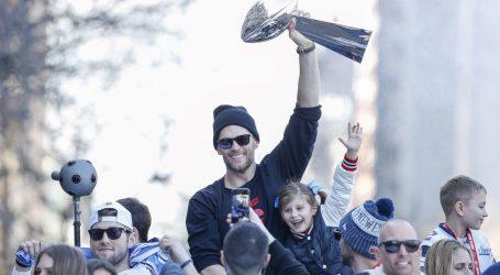 Tom Brady mora mijenjati kacigu
