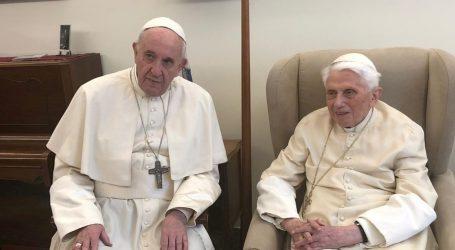 VATIKAN Papinski rat Benedikta 16. i Franje