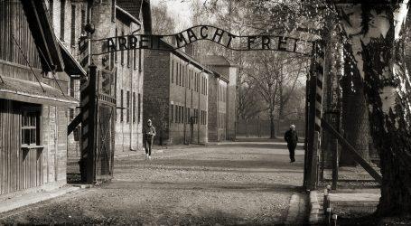 U Auschwitzu s posljednjim francuskim logorašima