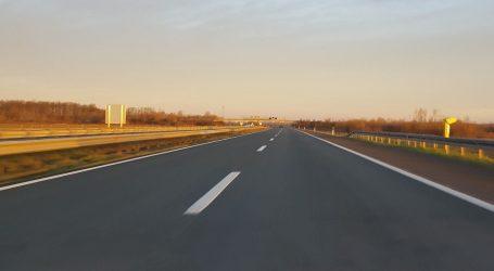 Na većini cesta vozi se uz povoljne uvjete