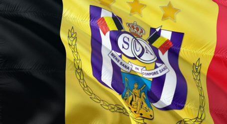 Navijači Anderlechta izazvali prekid u Liegeu