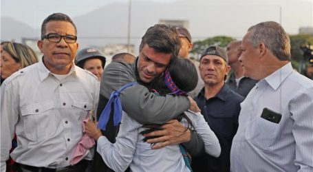 I Guaido i Maduro tvrde da imaju potporu vojske