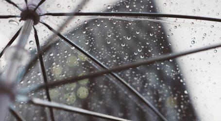 Oblačno i kišovito, na moru olujno jugo
