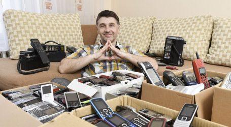'Slučajno sam počeo skupljati mobitele, a sada u zbirci imam 1900 modela'