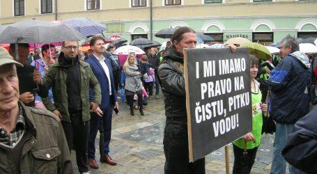 Sisčani prosvjedovali protiv skladištenja otpada u Sisačko-moslavačkoj županiji