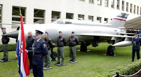 Više od 50 tisuća ljudi vidjelo Perešinov MIG-21