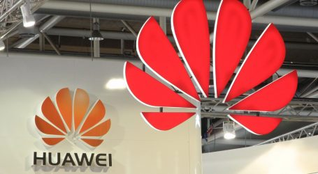 """Kina osuđuje """"glasine"""" SAD-a o povezanosti Huaweija s vladom u Pekingu"""