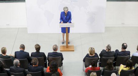 Tvrdi konzervativci i laburisti odbacuju Mayin novi prijedlog Brexita