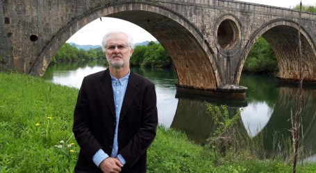 Okolišni novinar Ivo Lučić prosvjedovao na Kosinjskom mostu