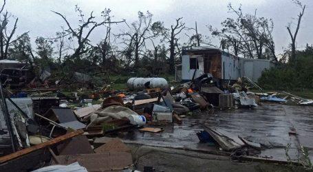 VAL EKSTREMNOG VREMENA U SAD-U: Kanzasom haraju tornada