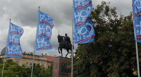 Prvi puta izvješene zastave 'Hoda za život' u Zagrebu