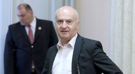 """FRED MATIĆ """"Predsjednica pušta slapove suza s Vodotornja"""""""
