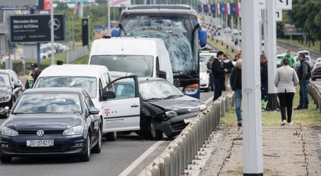 Lančani sudar šest vozila na Slavonskoj aveniji, jedna osoba ozlijeđena
