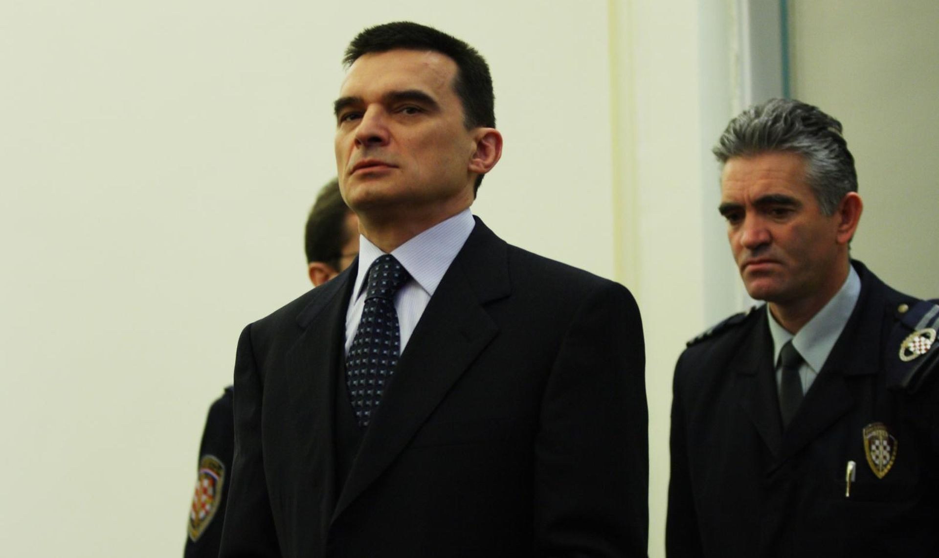 Vladimir Zagorec konačno platio dio novca iz afere Dragulji