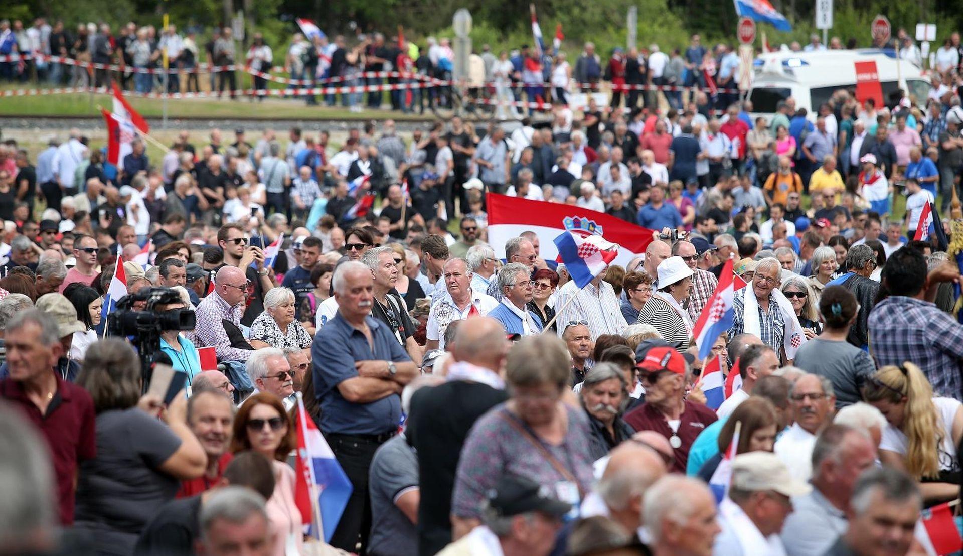 MERKEL 'Izvjesno je pristupanje Hrvatske šengenskom prostoru i eurozoni'