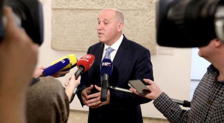 """BAČIĆ """"Vlada ima pravo na informativnu kampanju o mirovinskoj reformi"""""""