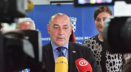 Ministar Medved hospitaliziran zbog problema sa srcem