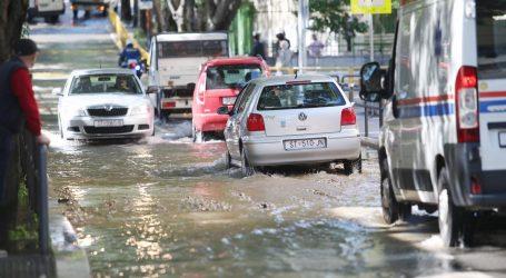 Zaustavljen prodor vode u Splitu