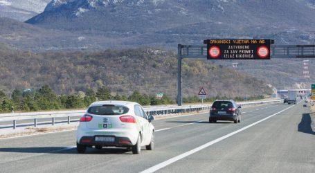 HAK: Kolnici skliski, jak vjetar ometa promet