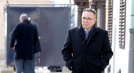 """KRAĐA IDENTITETA: """"Samo čekamo da i Plenković prodaje staro željezo"""""""